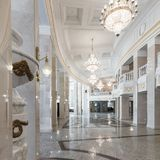 Grand National teater av operan och balett i Minsk inre fotografering för bildbyråer