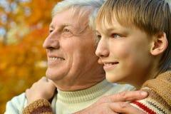 Grand-père et petit-fils Images stock