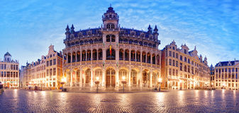 Grand Place in Brussel, panorama bij nacht, België royalty-vrije stock foto