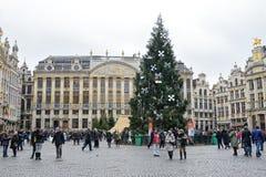 Grand Place van Brussel met geïnstalleerde Kerstboom royalty-vrije stock foto