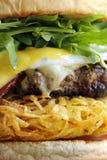 Grand plan rapproché savoureux d'hamburger Photographie stock