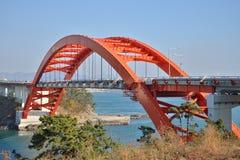 Grand pont de voûte dans Samcheonpo Photos stock