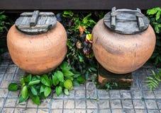 Grand pot de l'eau dans la station thermale Photographie stock libre de droits