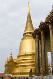 The grand royal palace and Temple of the Emerald Buddha in Bangkok Stock Photo