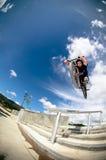 Grand saut d'air de Bmx Image stock