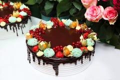 Grand, savoureux et beau gâteau Image stock