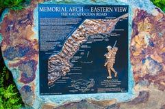 Grand signe de mémorial de route d'océan Photo libre de droits