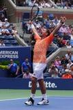 Grand Slam-de Kampioen Stanislas Wawrinka van Zwitserland viert overwinning na zijn eerste ronde gelijke bij het US Open van 2018 royalty-vrije stock afbeeldingen