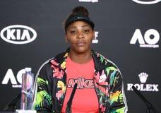 Grand Slam-Kampioen Serena Williams van de V.S. tijdens persconferentie na haar verlies in de gelijke van de het Australian Openk stock afbeelding