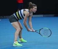 Grand Slam-Kampioen Simona Halep van Roemenië in actie tijdens haar ronde van gelijke 16 bij het Australian Open van 2019 in het  royalty-vrije stock foto's