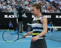 Grand Slam-Kampioen Simona Halep van Roemenië in actie tijdens haar ronde van gelijke 16 bij het Australian Open van 2019 in het  royalty-vrije stock fotografie