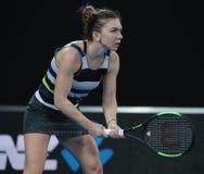 Grand Slam-Kampioen Simona Halep van Roemenië in actie tijdens haar ronde van gelijke 16 bij het Australian Open van 2019 in het  royalty-vrije stock afbeeldingen