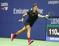 Grand Slam-Meister Rafael Nadal von Spanien in der Aktion während seines Matches 2017 der US Open-zweiten Runde Lizenzfreie Stockbilder