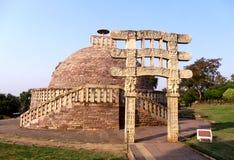 Grand stupa aucun 2 d'Inde de sanchi, patrimoine mondial bouddhiste de monuments photographie stock
