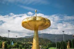 Grand temple et beau fond image stock