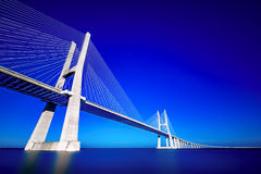 grandangolare artistico del Vasco-da-Gama-ponte fotografia stock libera da diritti