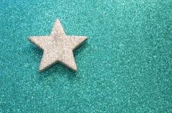 Grande étoile sur rougeoyer lumineux de fond photo stock
