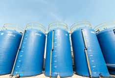 Grande acqua del filtrante di plastica del secchio usata per produrre alimento Immagini Stock Libere da Diritti