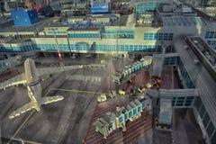Grande aeroporto della disposizione fatto di Lego Fotografie Stock