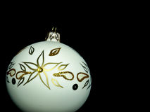 Grande albero di Natale bianco della bagattella Fotografia Stock