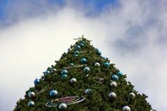 Grande albero di Natale Fondo sulla vista immagine stock libera da diritti
