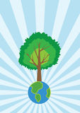 Grande albero sul piccolo mondo Immagini Stock Libere da Diritti