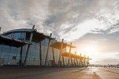 Grande alta casa vitrosa di aumento dell'aerodromo Fotografia Stock Libera da Diritti