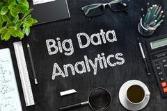 Grande analisi dei dati di dati - testo sulla lavagna nera rappresentazione 3d Fotografie Stock
