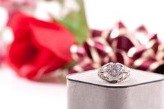 Grande anello di diamante fotografie stock libere da diritti