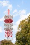 Grande antenna per le telecomunicazioni. Fotografia Stock Libera da Diritti