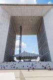 Grande Arche στην υπεράσπιση Λα, Παρίσι, Γαλλία Στοκ εικόνα με δικαίωμα ελεύθερης χρήσης