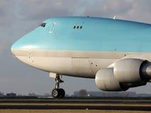 Grande aterrissagem do jato da carga Foto de Stock