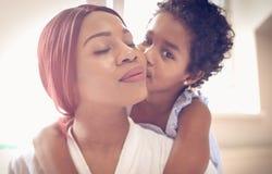 Grande bacio per la mia mamma immagine stock libera da diritti