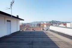 Grande balcão do telhado imagens de stock royalty free