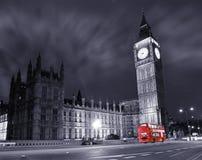 Grande Ben e bus di doppio ponte rosso Fotografia Stock Libera da Diritti