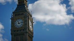 Grande Ben With Passing Clouds drammatico archivi video