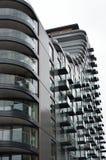 Grande blocco di appartamenti residenziali Fotografie Stock Libere da Diritti