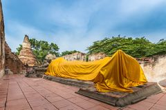 Grande buddha adagiantesi Immagini Stock Libere da Diritti