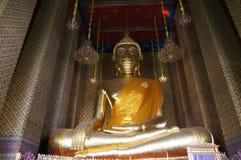 Grande Buddha del tempio di Kanlaya Fotografie Stock
