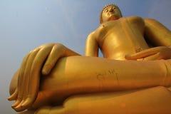 Grande grande Buddha gigante benedice fotografie stock