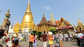 Grande Buddha lasso di tempo di Bangkok Tailandia del tempio di Wat Phra Kaew stock footage