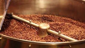 Grande caffè Bean Roasting Machine stock footage
