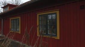 Grande Camera rossa di legno stock footage