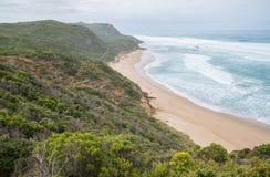 Grande caminhada do oceano - angra do castelo, Austrália imagens de stock royalty free
