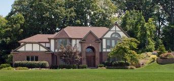 Grande casa con mattoni a vista Fotografia Stock Libera da Diritti