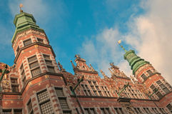 Grande casa de cortiço do arsenal, Gdansk, Polônia imagens de stock