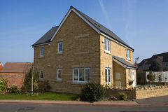 Grande casa destacada Foto de Stock Royalty Free