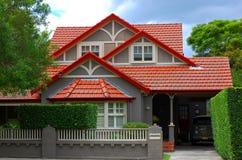 Grande casa moderna della famiglia nella baia del vicolo, Sydney, Australia Fotografie Stock