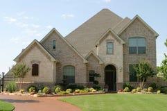Grande casa suburbana Imagens de Stock Royalty Free