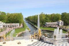 Grande cascade dans Peterhof Photos libres de droits